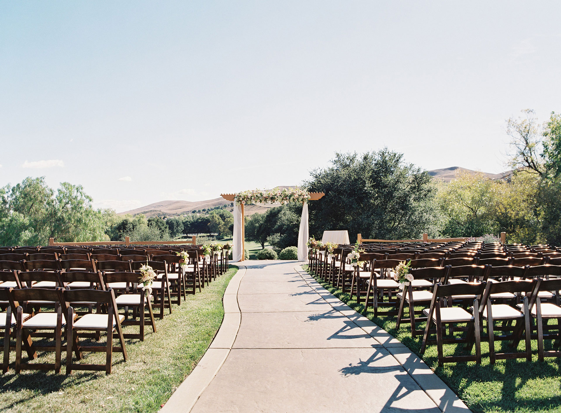 A fairways ceremony awaits its wedding guests at Hiddenbrooke Golf Club in Vallejo